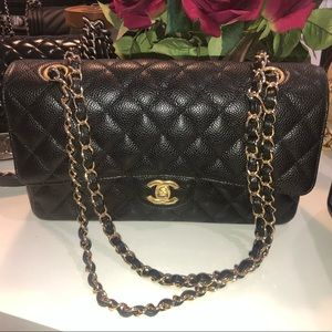 Chanel caviar medium double flap w gold hardware